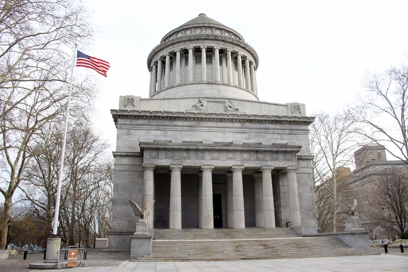 Gray-Line-New-York-Bronx-Tour-Grants-Tomb-3_800x533.jpg