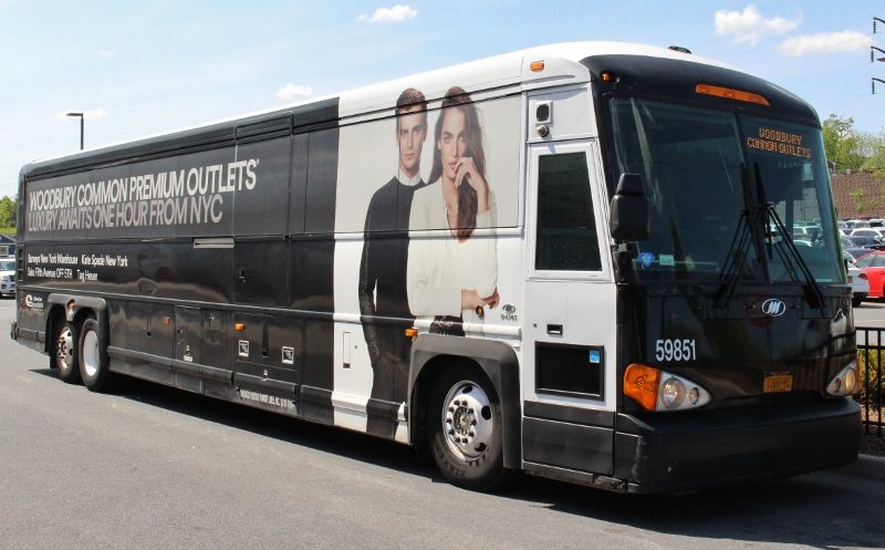 Woodbury-Common-Premium-Outlets-Bus-3_800x497.jpg