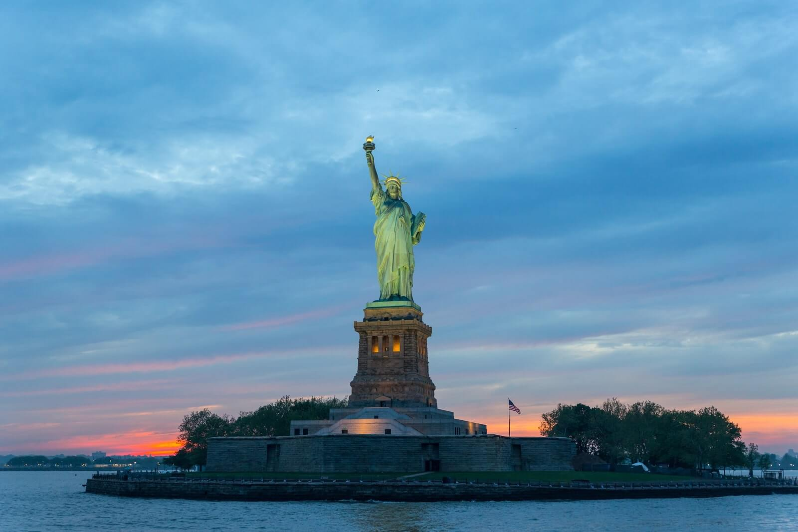 statue-of-liberty-sunset.jpg