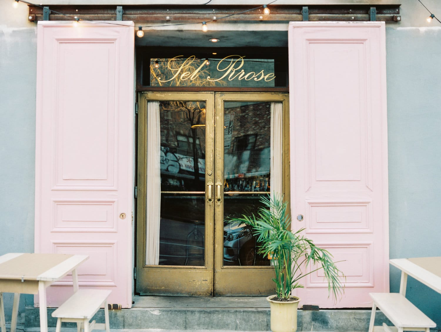 OUR_FAVOURITE_WINE_BARS_IN_NEW_YORK_CITY_sel_rose.jpg