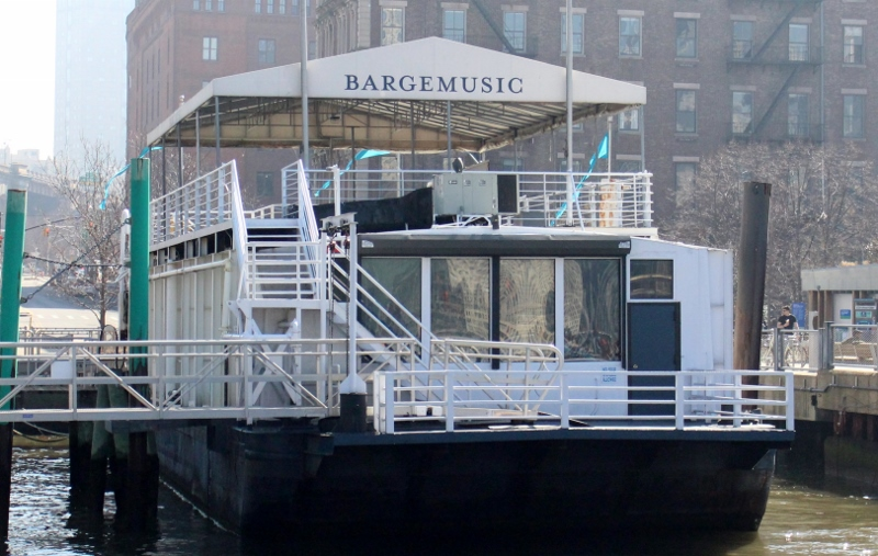 CitySightseeing-NY-Brooklyn-Dumbo-Barge-Music_800x507.jpg