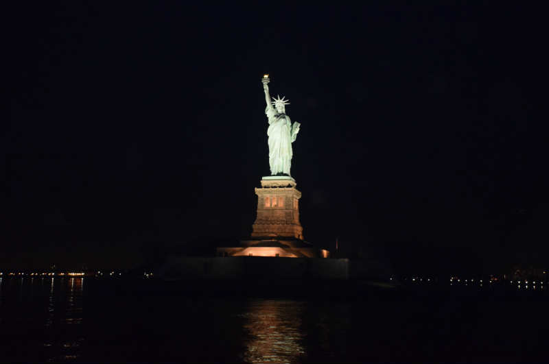 statue-of-liberty-at-night.jpg