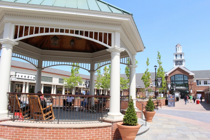 Woodbury-Common-Premium-Outlets-Market-Hall-4_800x533.jpg
