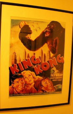 Gray-Line-New-York-Radio-City-Stage-Door-Tour-King-Kong-color_242x375.jpg